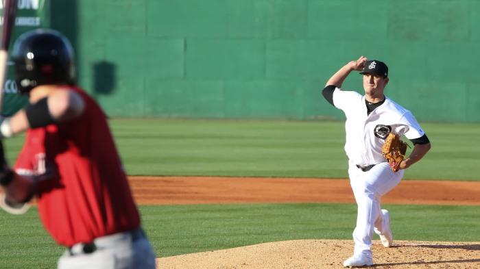 Taylor Widener frontside toss - Cody Cunningham 2568